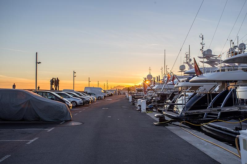 yachts charter management